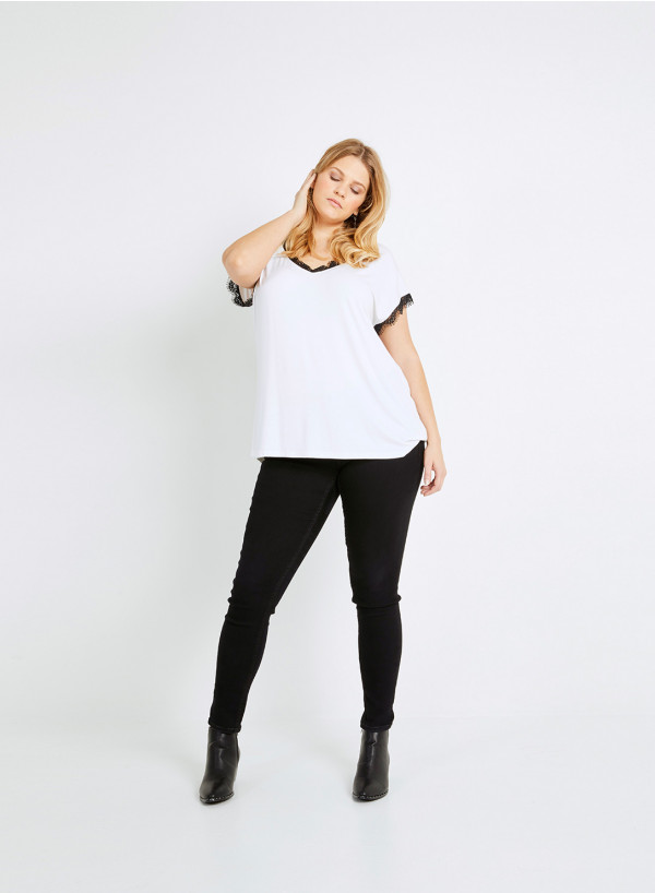 LACE TRIM T-SHIRT